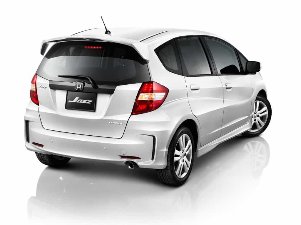 honda jazz vs toyota yaris