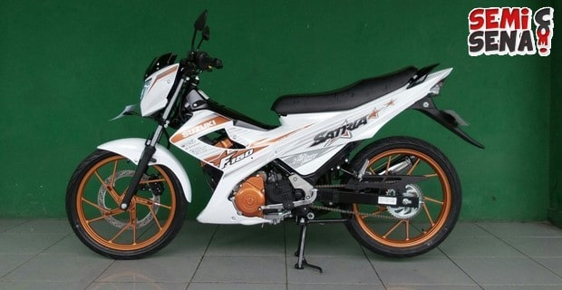 motor suzuki satria fu 150 white fighter