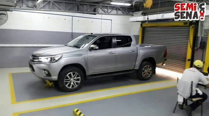 toyota-siapkan-hilux-2016