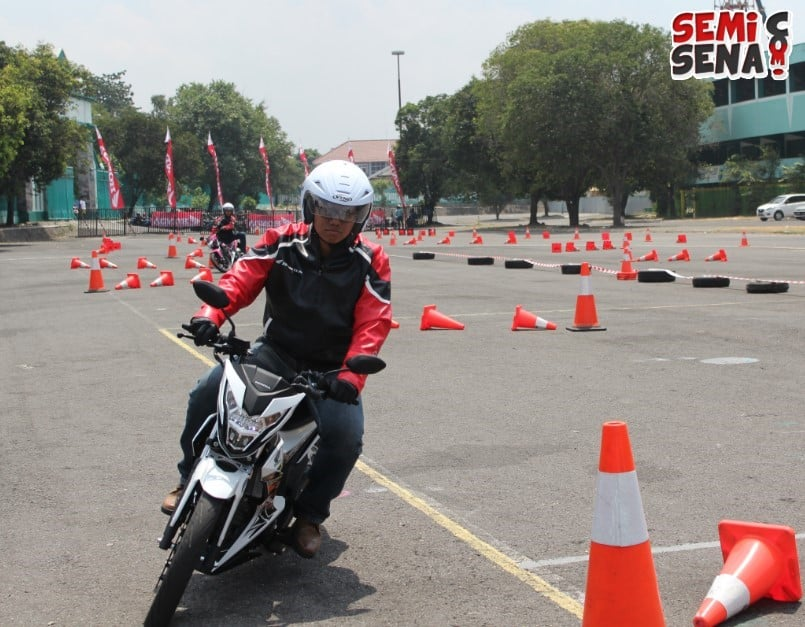 first-ride-new-honda-sonic-150r-4