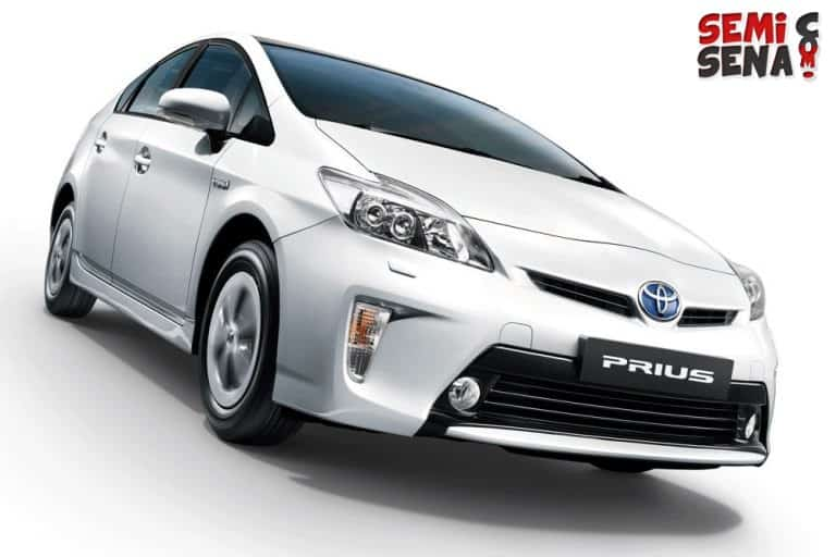 Wow! Toyota Prius All Wheel Drive