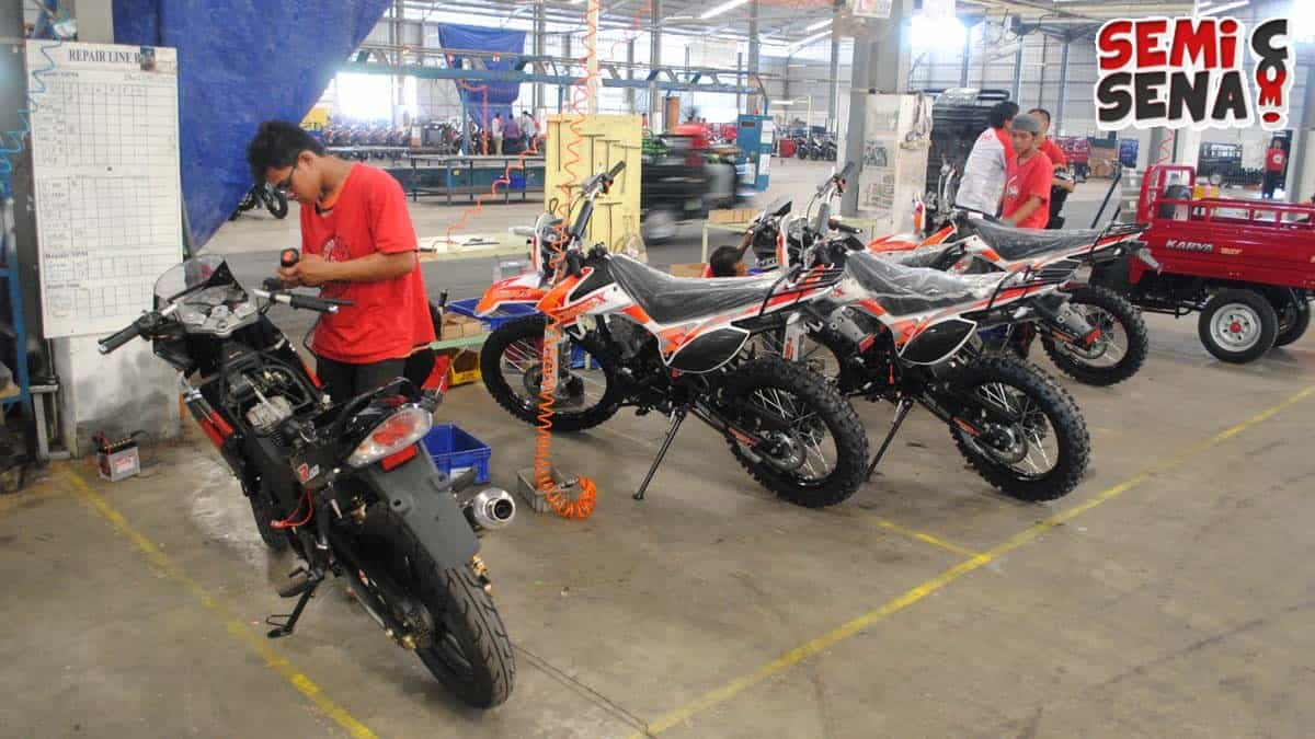 Wow, Pesaing KLX 150 Sudah Usung Speedometer Full Digital