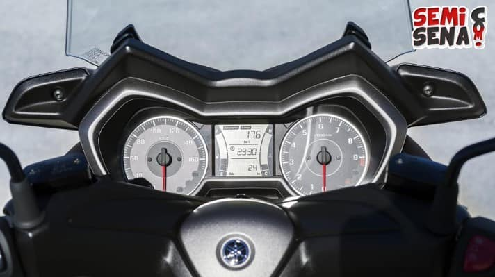 Review Yamaha X Max 300