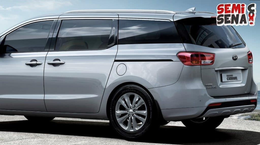 Review Kia Sedona
