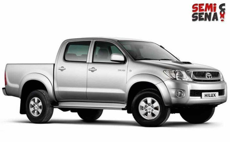 Mobil Toyota Hilux