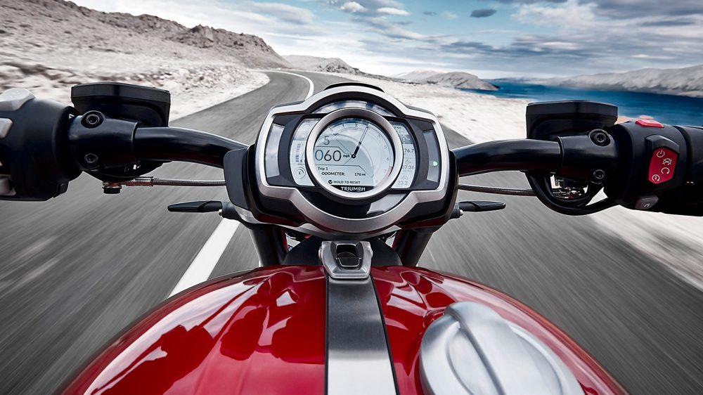 Review Triumph Rocket 3